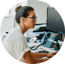It manager woman working with ProntoForms